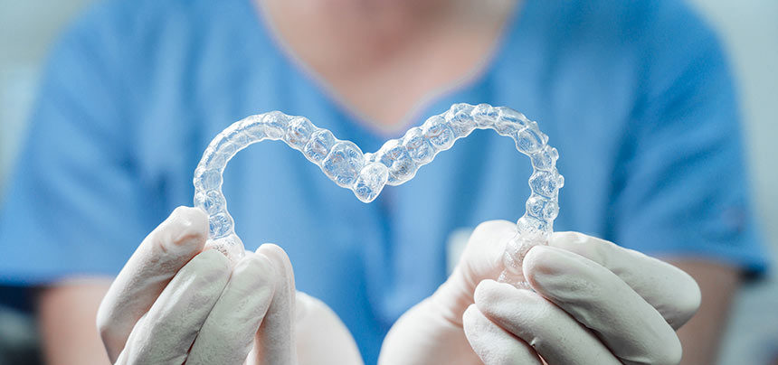Descubre la ortodoncia invisible en Cenyt Dental