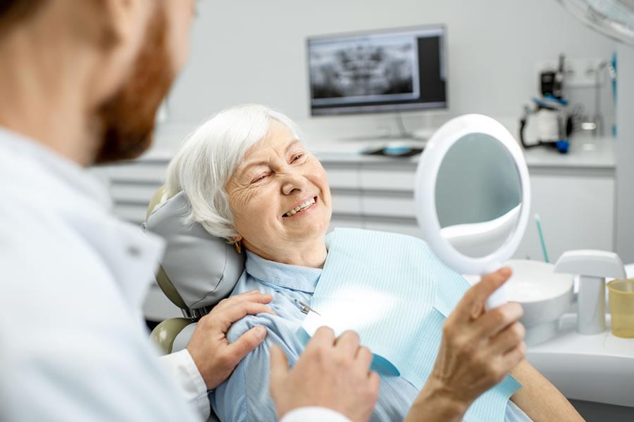 Implantes cigomáticos Cenyt Dental